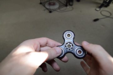 What is Fidget Spinner and how to use it?